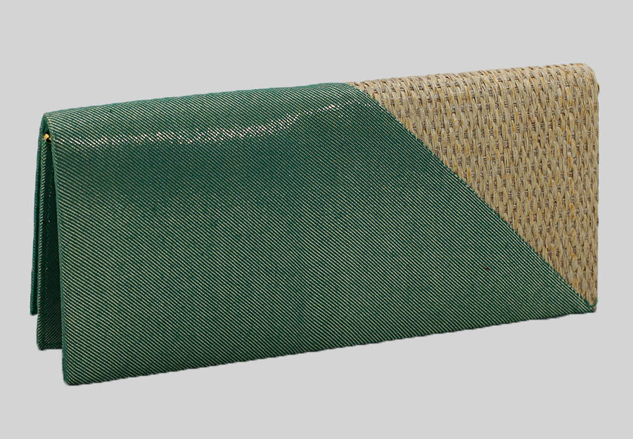 torebka-kopertowka-w-kolorze-zielonym