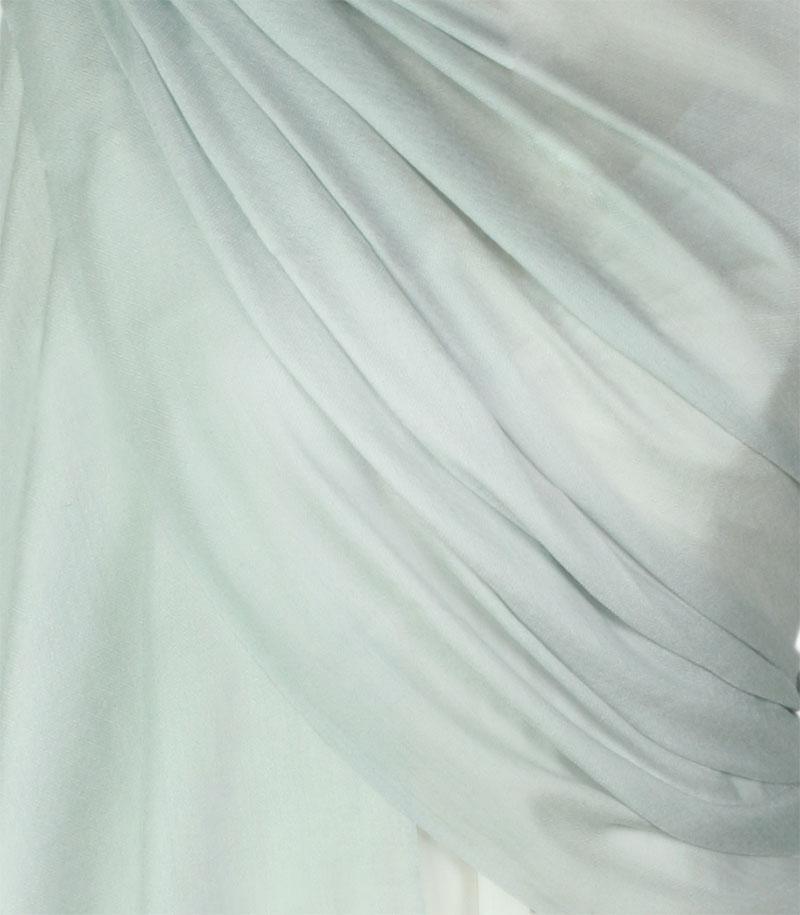 szal-welniany-w-kolorze-szarym