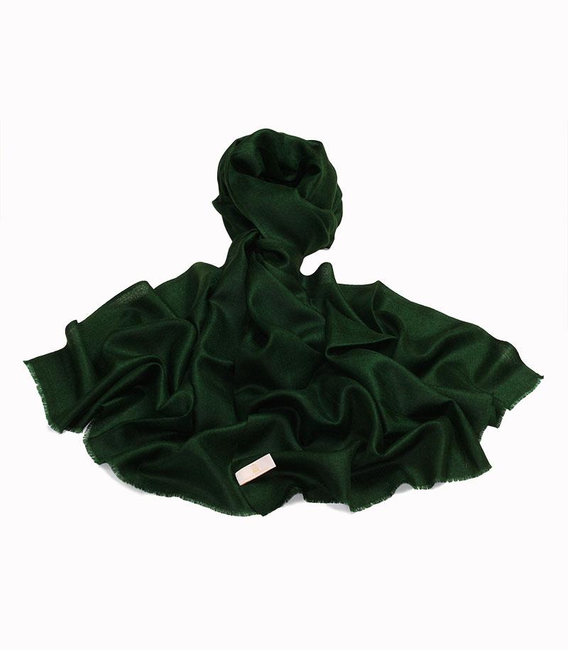 szal kaszmirowy wieczorowy w kolorze butelkowej zieleni