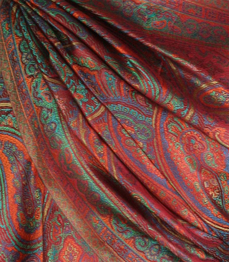 szal jedwabny ze wzorem jamawar w kolorze bordowy