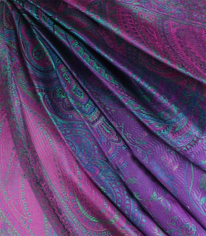 szal jedwabny ze wzorem jamawar w kolorze fioletowym