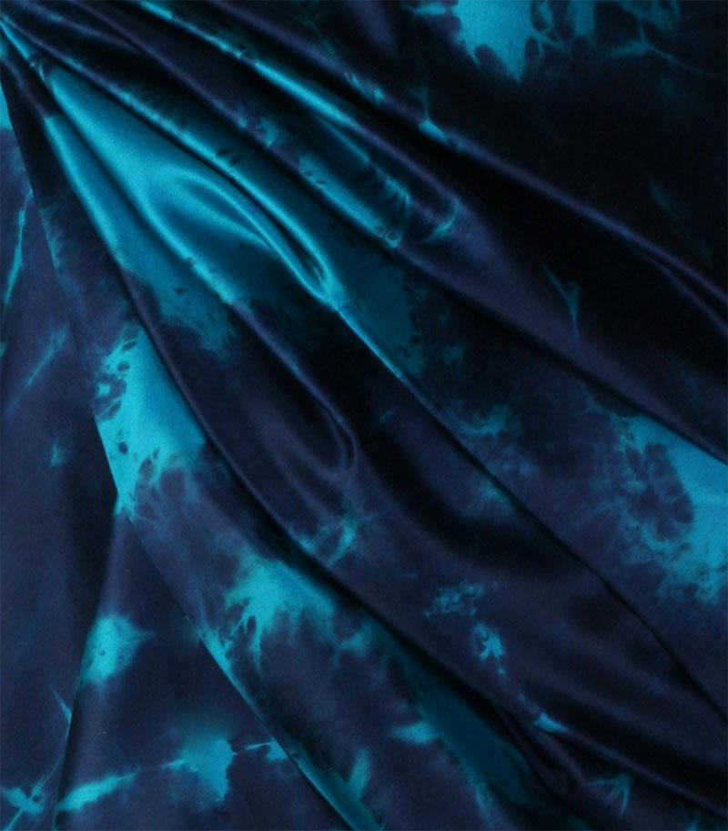 szala jedwabny w kolorze turkusowo granatowym
