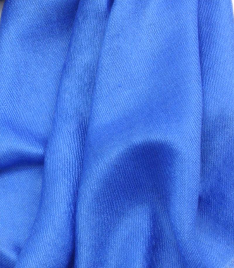 szal kaszmirowy w kolorze chabrowym