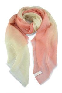 szal kaszmirowy w kolorze rozowo kremowym