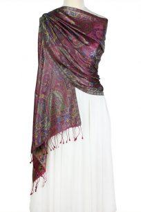 szal jedwabny ze wzorem jamawar w kolorze burgundu