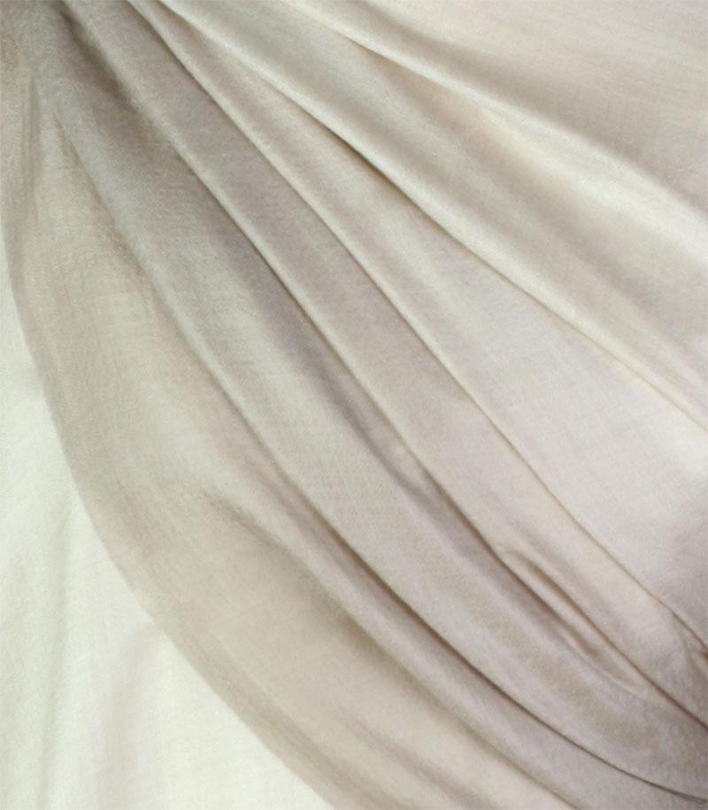 szal kaszmirowy w kolorze kremowym