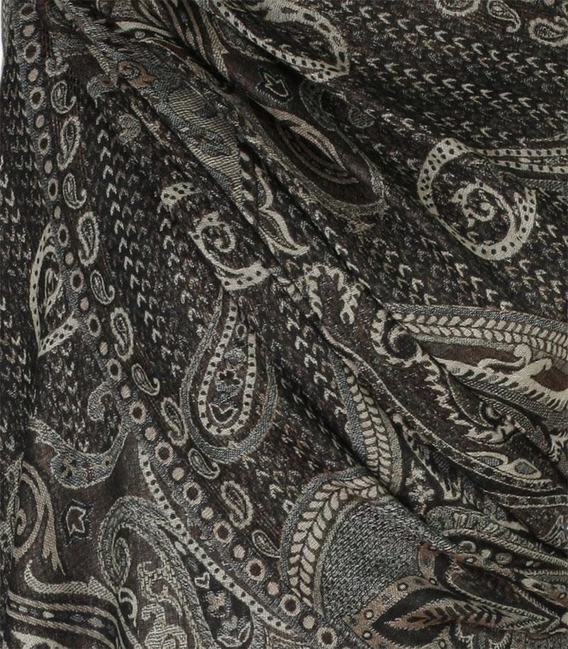 szal welniany w kolorze czarnym z welny merino