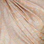 szal welniany w kolorze morelowym z welny merino