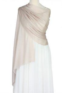 szal welniany w kolorze nude z welny merino
