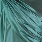 szal-jedwabny-gladki-w-kolorze-zielonym