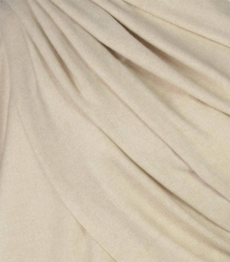 szalik kaszmirowy w kolorze bezowym