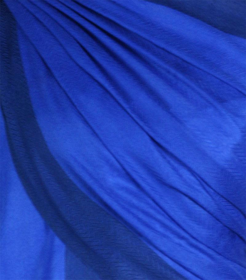 szal-welniany-w-kolorze-chabrowym