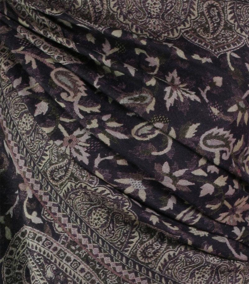 szal-welniany-w-kolorze-czarnym