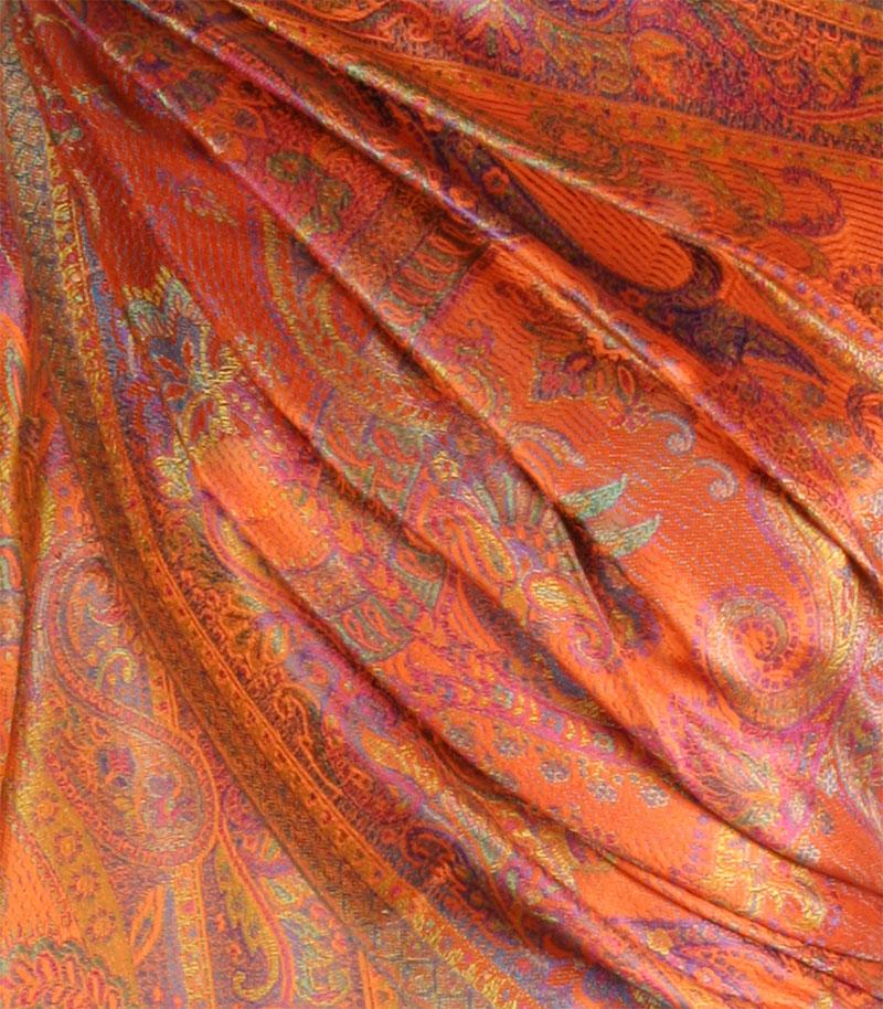 szal-jedwabny-w-kolorze-pomaranczowym