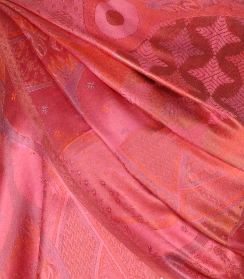 szalik-jedwabny-w-kolorze-rozowym