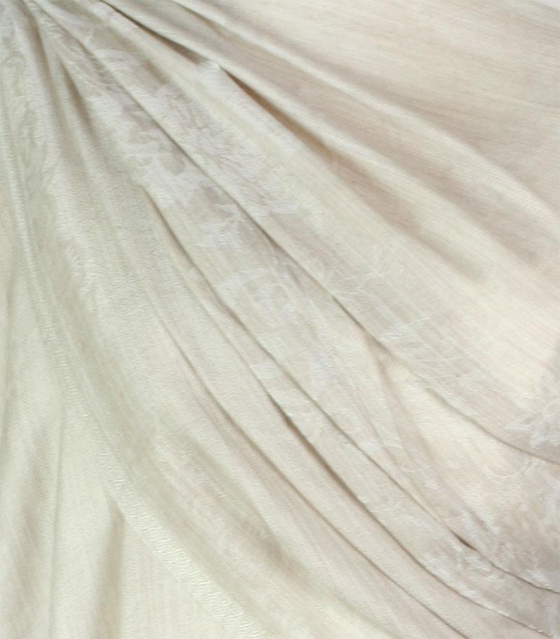szal-welniany-w-kolorze-bezowym