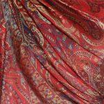 szal-jedwabny-w-kolorze-czerwonym