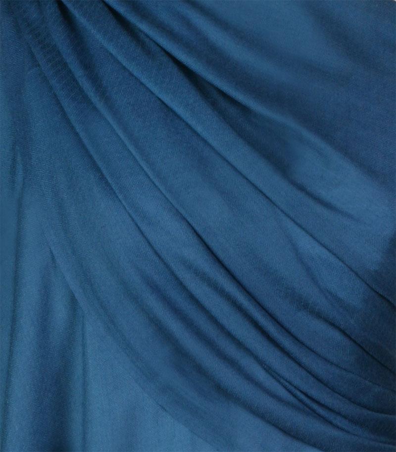 szal-welniany-w-kolorze-denim-blue