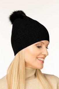 czapka-kaszmirowa-w-kolorze-czarnym